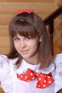 http://img211.imagevenue.com/loc1141/th_105510133_tduid300163_Silver_Sandrinya_maid_1_121_122_1141lo.JPG