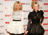 http://img211.imagevenue.com/loc30/th_50928_2008-09-18_6th_Annual_Teen_Vogue_Young_Hollywood_Party_HQ001_122_30lo.jpg
