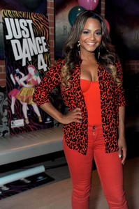 http://img211.imagevenue.com/loc695/th_493104502_ChristinaMilian_JustDance4Launch_23_122_695lo.jpg