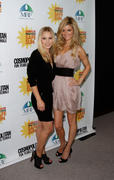 http://img211.imagevenue.com/loc749/th_29095_kristen_bell_practice_safe_sun_awards_luncheon_07_122_749lo.jpg