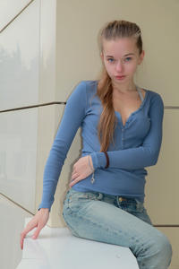 http://img211.imagevenue.com/loc820/th_555254419_tduid300163_MetArt_Rodina_Milena_D_high_0134_123_820lo.jpg