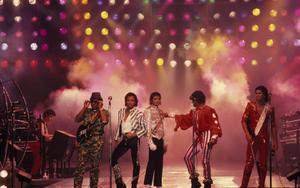 1984 VICTORY TOUR  Th_753813142_6883981902_960acf1697_b_122_847lo