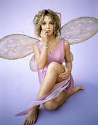 http://img211.imagevenue.com/loc978/th_04689_Britney_Spears_Mark_Seliger_Photoshoot5_122_978lo.jpg